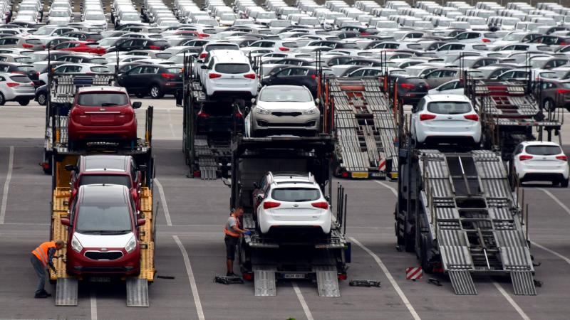Producción de autos en México se desploma 98% en abril