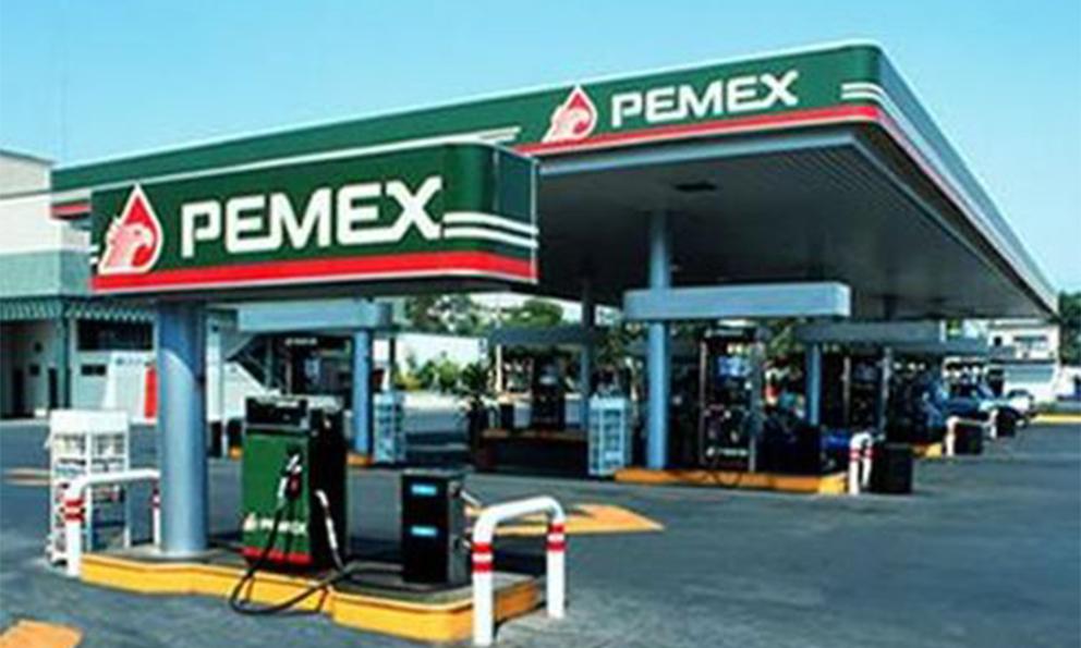 Ventas de gasolina de Pemex caen por tercer año consecutivo