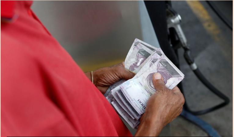 El precio de la gasolina en Venezuela es el más alto del mundo.
