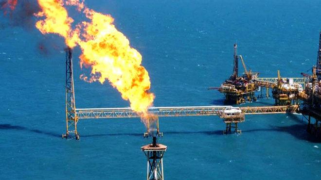 Los precios del petróleoextienden rally, impulsados por las señales de que la OPEP actuará con decisión para estabilizar al mercado petrolero.