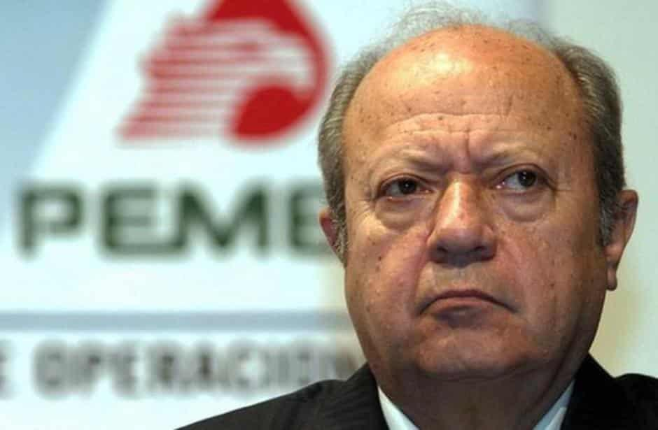 """Romero Deschamps renuncia """"voluntariamente"""" a Pemex: AMLO"""