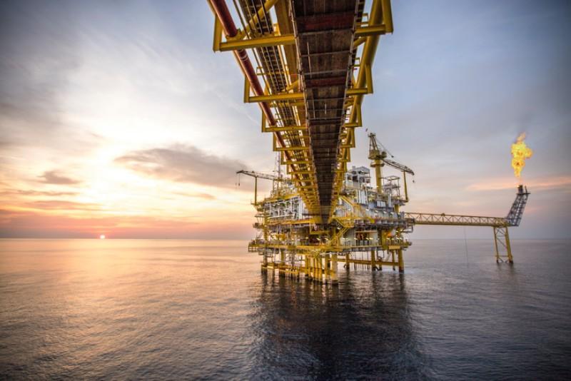 Mezcla baja 0.92% a 40.73 dpb; refinerías EU sin daños por Laura