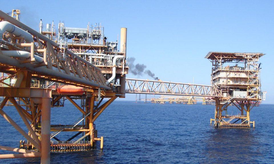 Las cotizaciones del petróleo cerraron el lunes con números rojos en los mercados internacionales, contenidos por una toma de ganancias