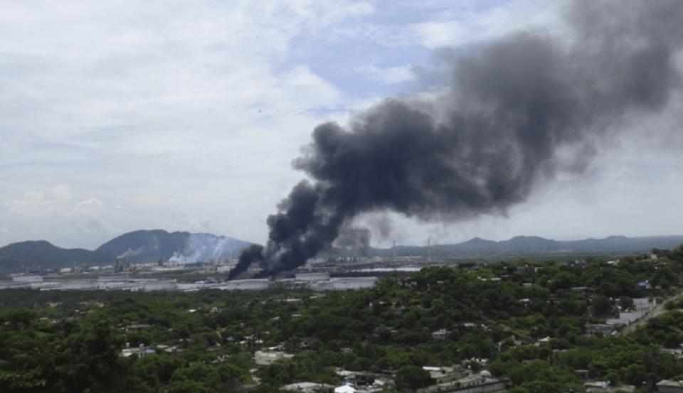 Explosión en refinería de Pemex en Salina Cruz
