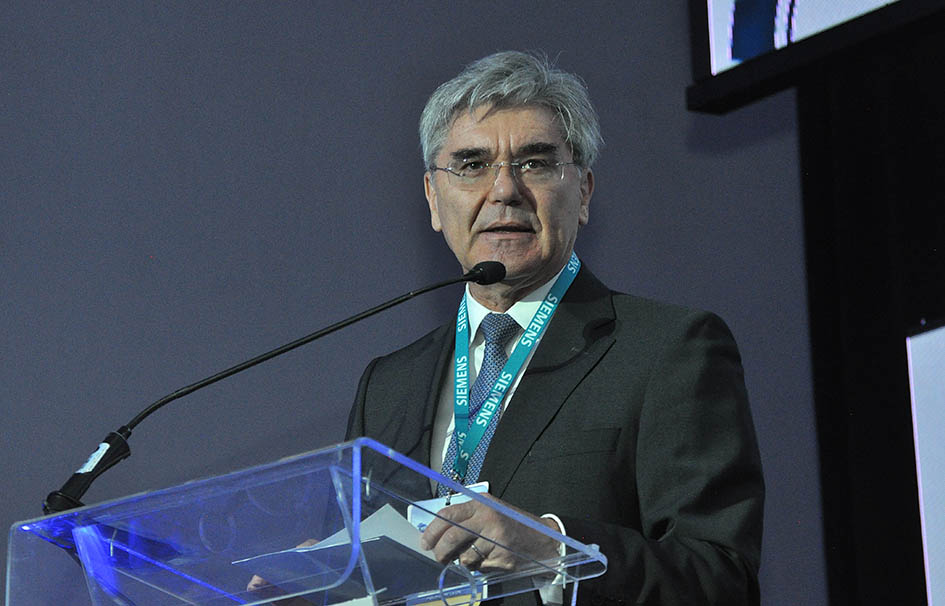 El director general de Siemens resaltó que la conectividad y digitalización son escenarios presentes y futuros que transforman a las empresas.
