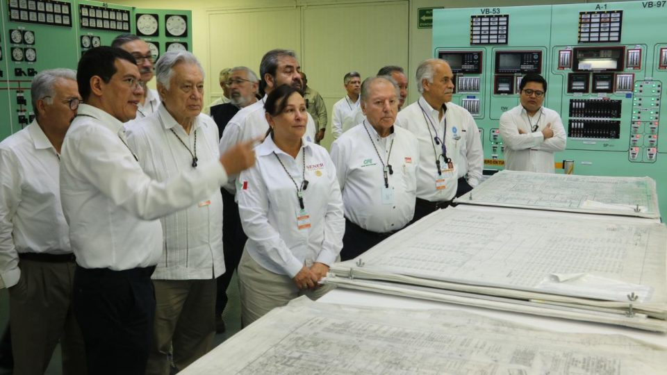 Rocío Nahle García y Manuel Bartlett Díaz realizaron una visita técnica a la Central Nucleoeléctrica Laguna Verde, en el estado de Veracruz.