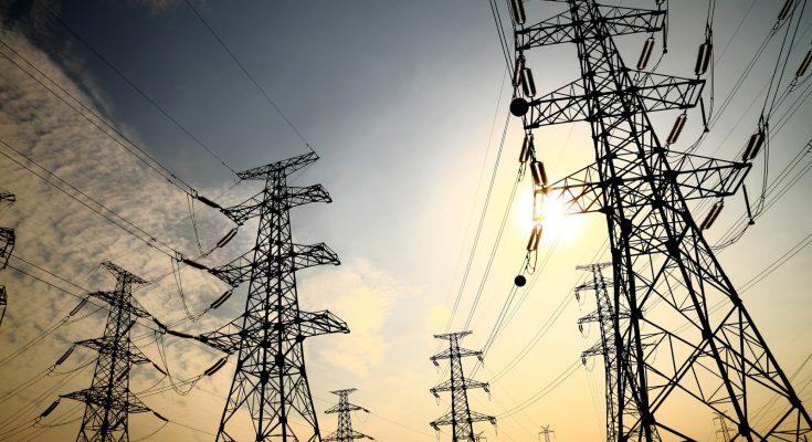 Comisión Reguladora de Energía (CRE) aprobó por unanimidad un proyecto que permitirá a la CFE aumentar las tarifas de transmisión para las centrales de autoabastecimiento.