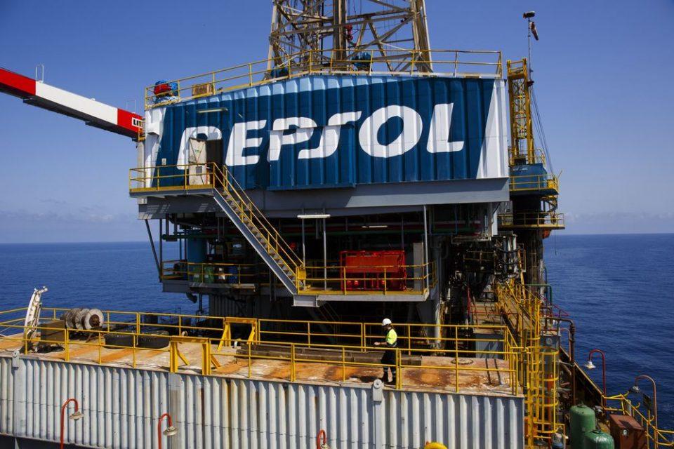Repsol vende dos bloque a PetroVietnam
