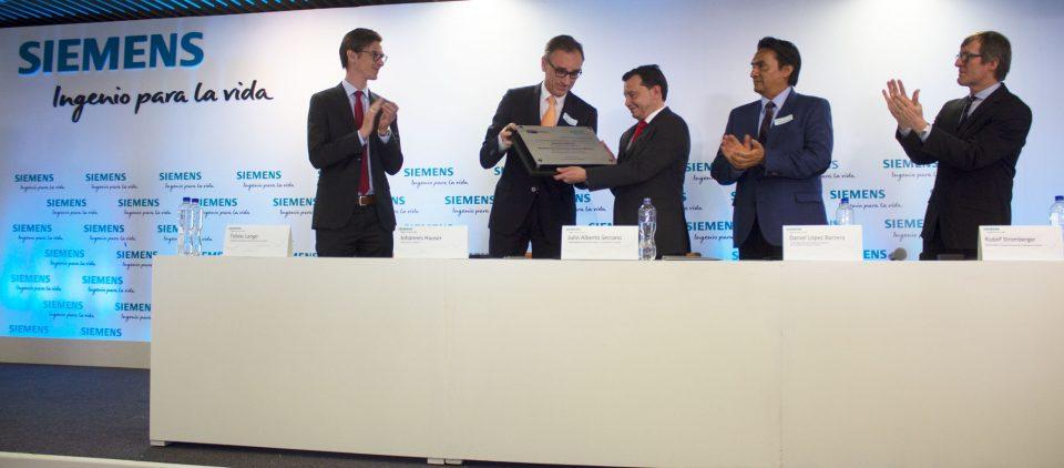 Siemens y Camexa firman convenio de colaboración_JohannesHauser_JulioAlbertoSerrano