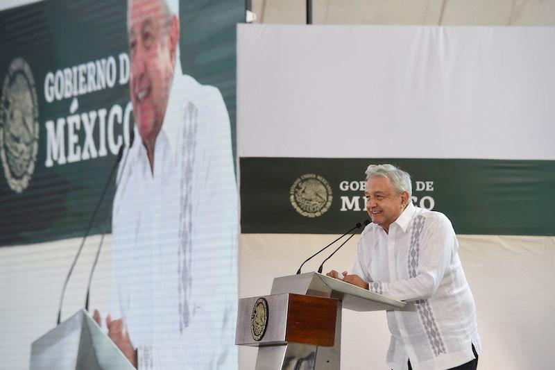AMLO anuncia inversiones de 4,300 mdp en Yucatán