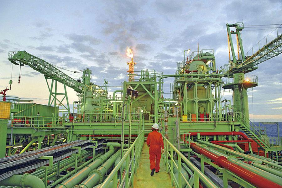 Pemex recorta 10% meta de producción a 1.85 mbd en 2021