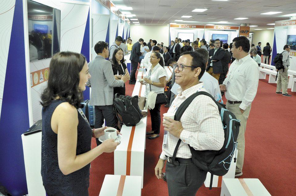 Presentaciones Empresariales. Esta dinámica está enfocada en la exhibición directa de productos y servicios. CMP