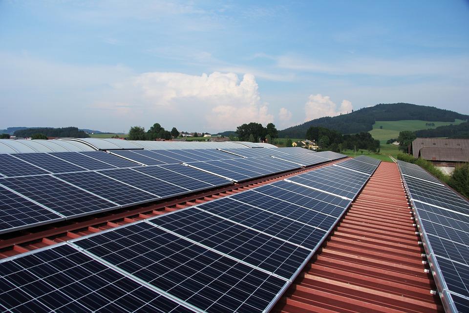 Energía solar: ayuda al medio ambiente y a la economía de las empresas_Enlight