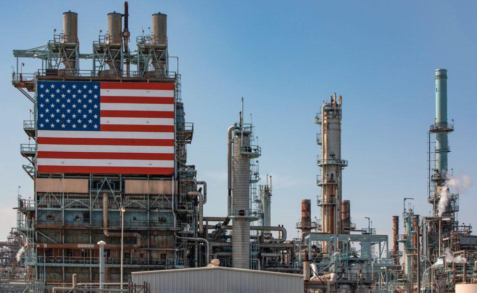Refinerías EU en reversa por caída de precios de gasolina