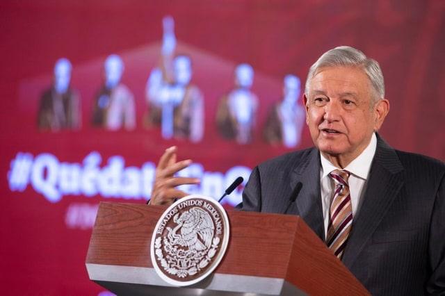 AMLO admite que caída histórica del crudo afectará la economía
