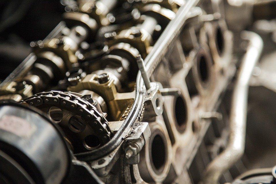 Producción de vehículos ligeros cae 24.64%