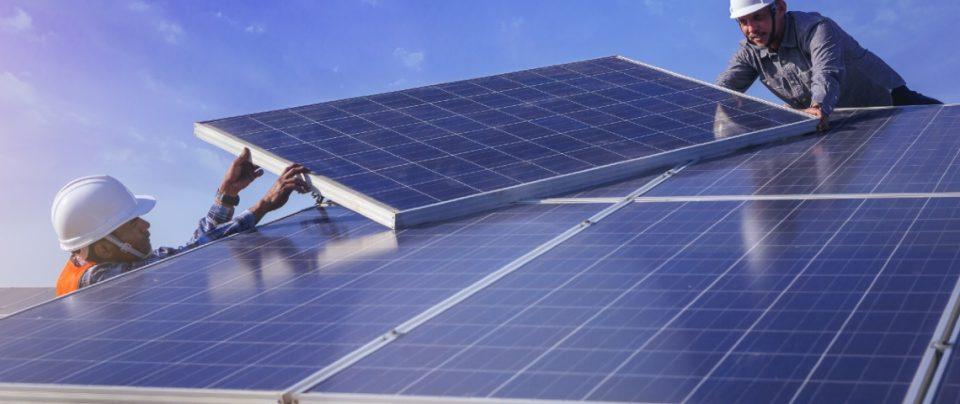 IRENA emitió la Perspectiva Mundial de Energías Renovables, donde resaltó el crecimiento económico y oferta laboral que generaría