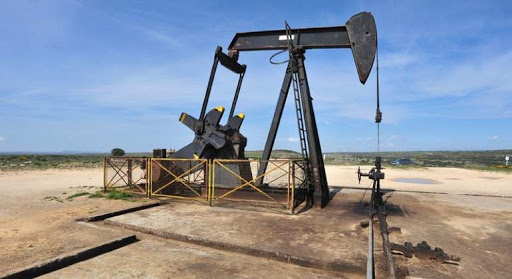 Exxon y Chevron frenan bombeo de esquisto