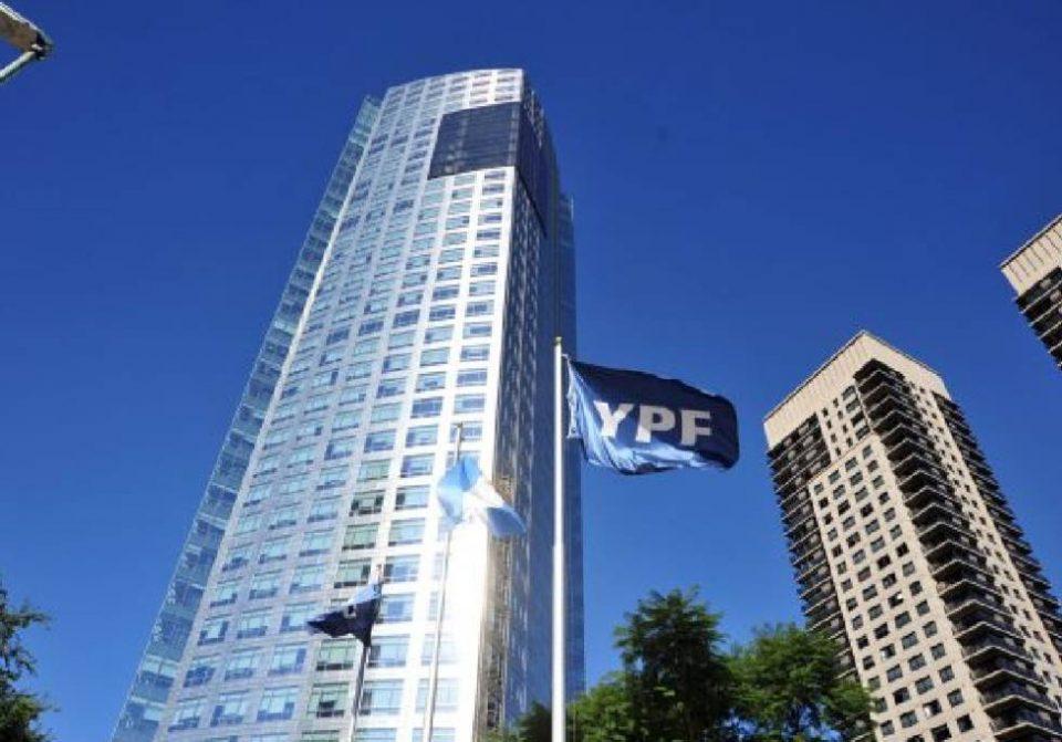 YPF, de Argentina, nombra nuevo CEO en medio de crisis petrolera