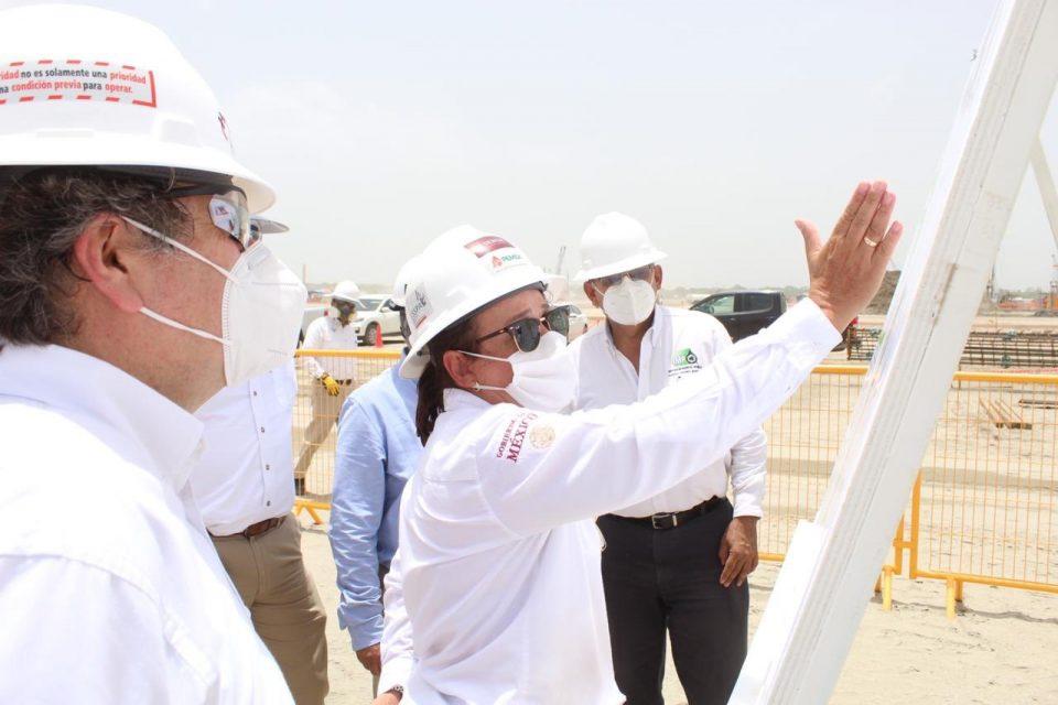 Refinería de Dos Bocas avanza de acuerdo al programa