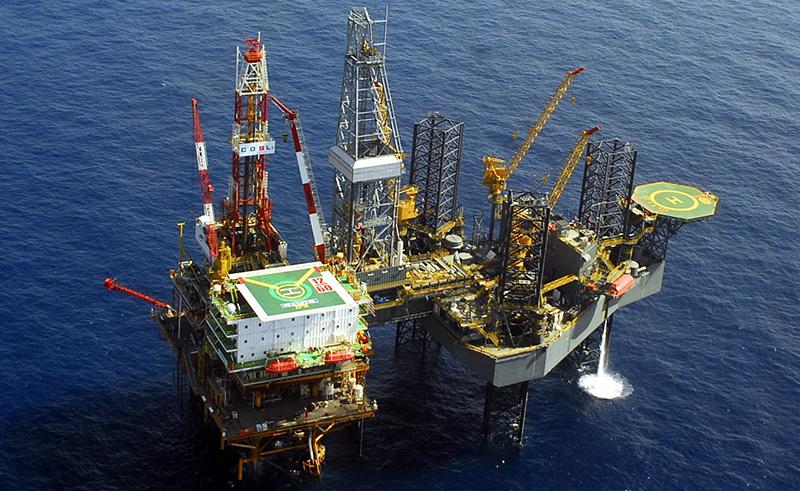 Renuncia CEO de petrolera COSL