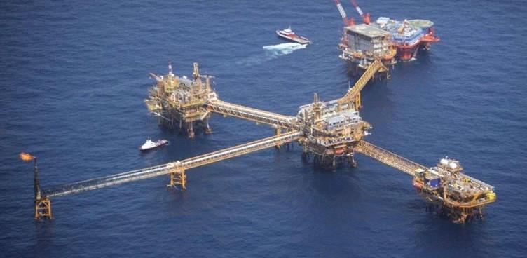 Morena presenta iniciativa de contrarreforma energética
