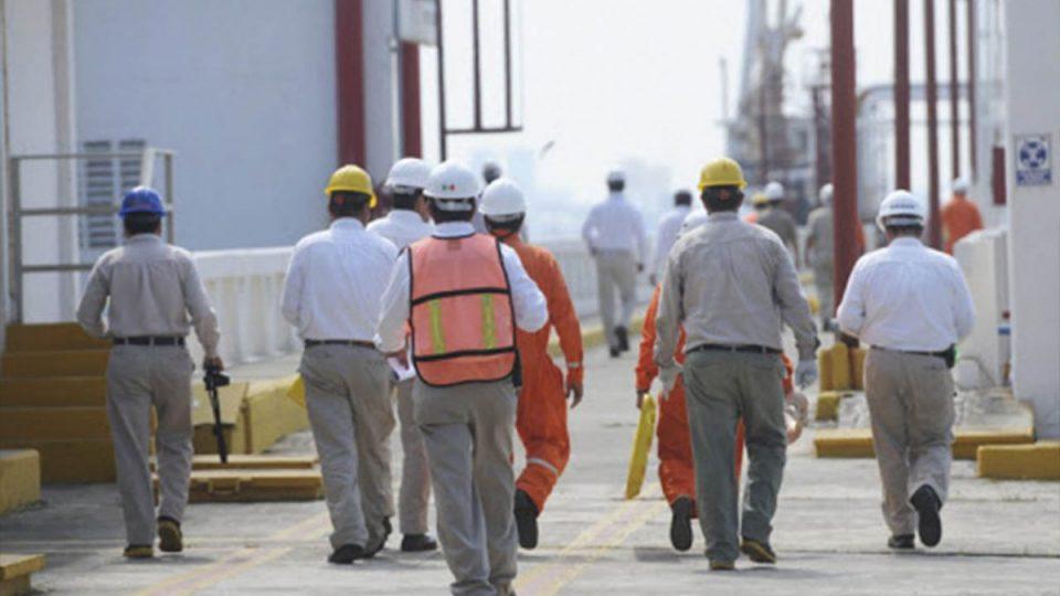 STPRM amaga a Pemex con paro de labores