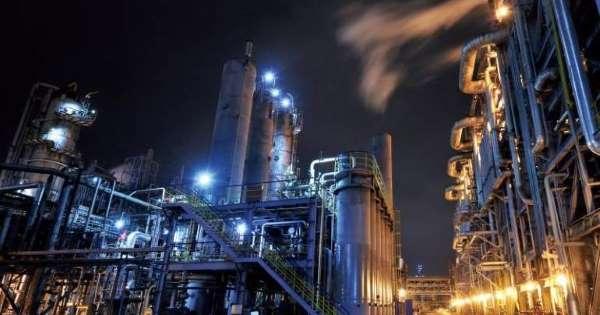 La empresa petroquímica mexicana Alpek firmó un acuerdo para comprar la unidad de negocio de estirénicos de Nova Chemicals
