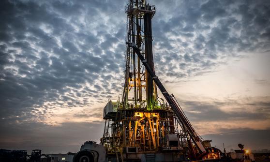ConocoPhillips acordó comprar a su rival estadounidense y productor de petróleo de esquisto Concho Resources por 9,700 millones de dólares.