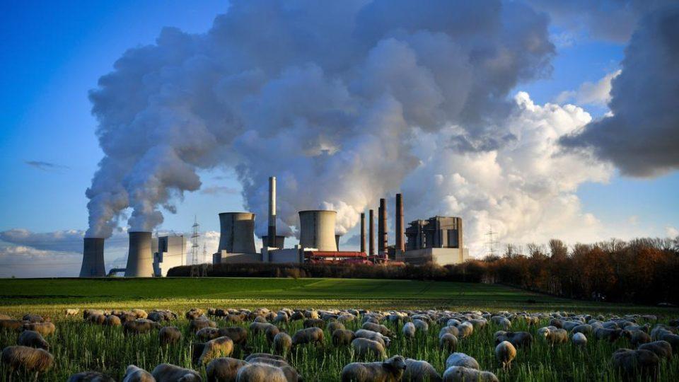 Piden dejar de asegurar proyectos contaminantes