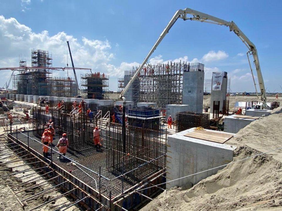 Avanza construcción de anillos de tanques de almacenamiento en Dos Bocas
