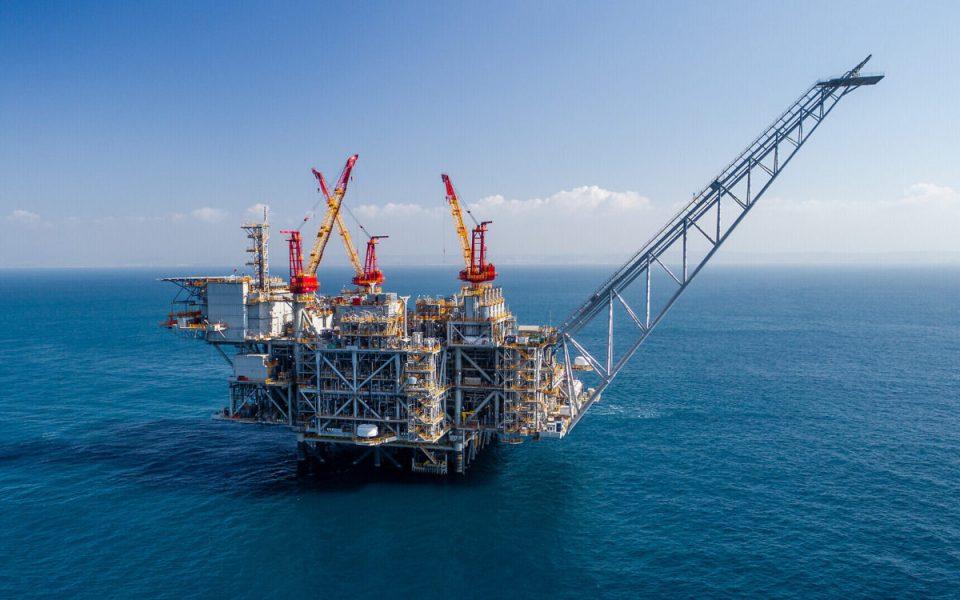 Chevron completa compra de Noble Energy por 5,000 mdd