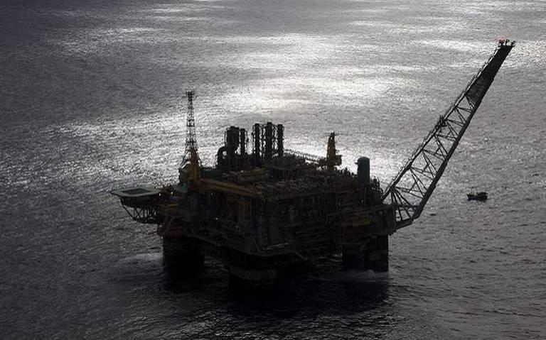 China reporta nuevos confinamientos y tira precios del petróleo