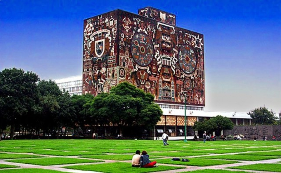 ExxonMobil entrega becas de investigación a estudiantes de la UNAM