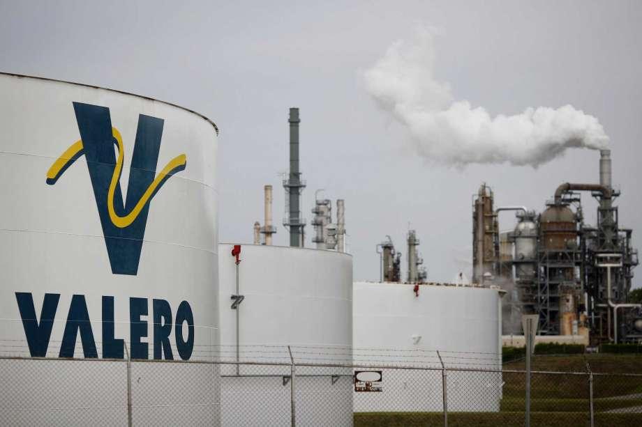 Valero planea duplicar importación de combustibles en México en 2021