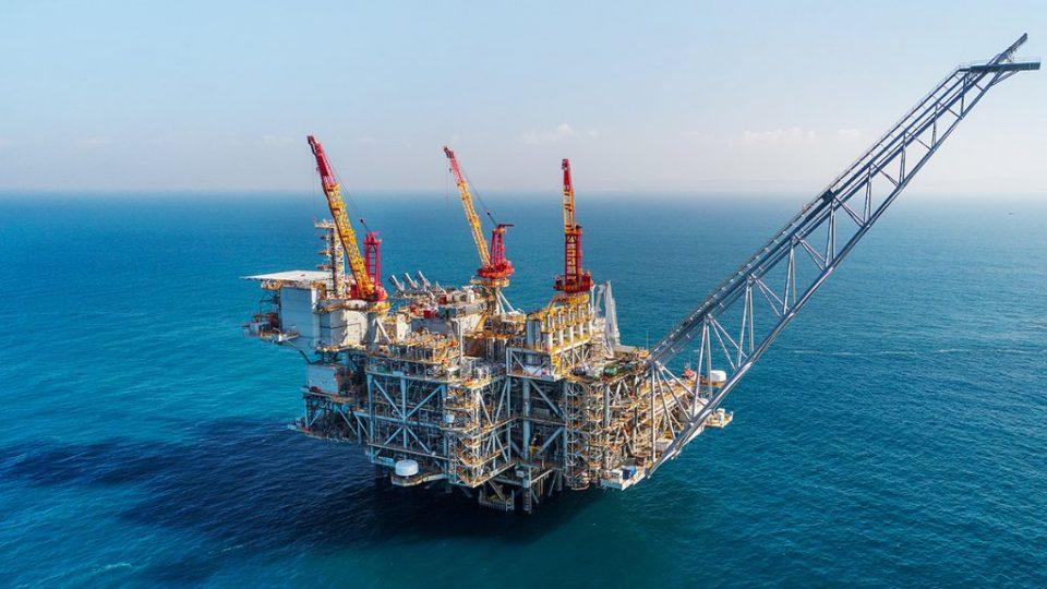 Chevron está en camino de pagar un dividendo anual con ganancias a sus accionistas por el trigésimo cuarto año consecutivo.