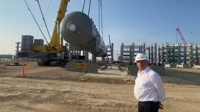 AMLO supervisa obra de refinería de Dos Bocas