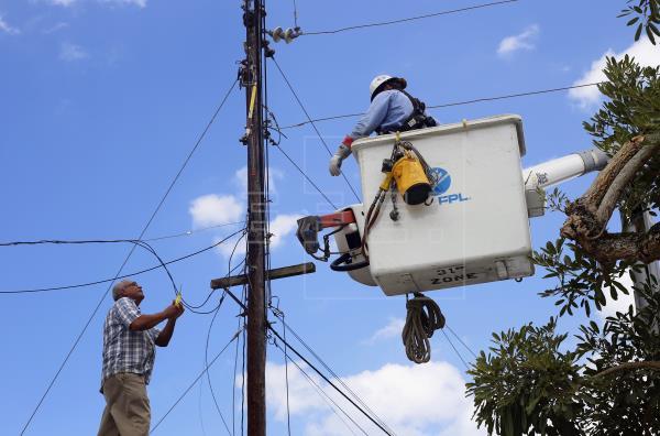 IP asume control de electricidad en Puerto Rico