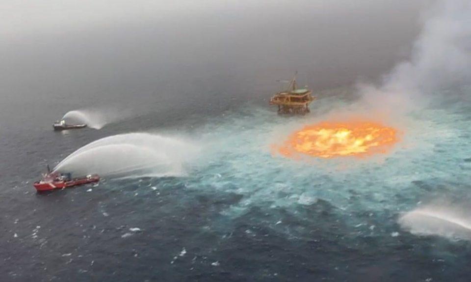 Tormenta eléctrica y gas, detonantes del incendio: Pemex