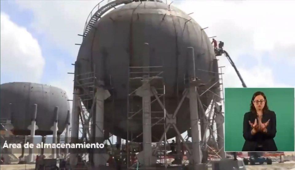 Instalan esferas de almacenamiento en Dos Bocas